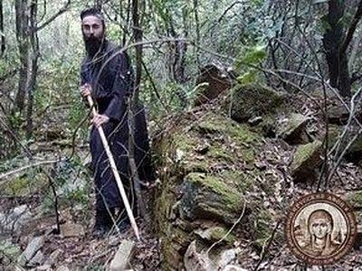 Афонский монастырь планирует восстановить разрушенную келлию, связанную с прп. Паисием Величковским