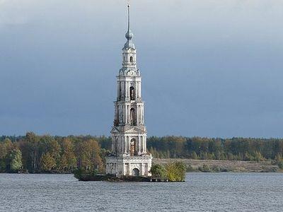 Двенадцать экспозиций о затопленной России