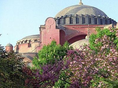 В соборе святой Софии в Стамбуле совершен первый за 80 лет азан