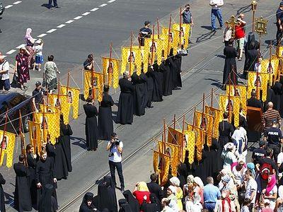 В Одессе тысячи верующих с молитвой о мире прошли по улицам с особо чтимыми иконами Богородицы (фото, видео)