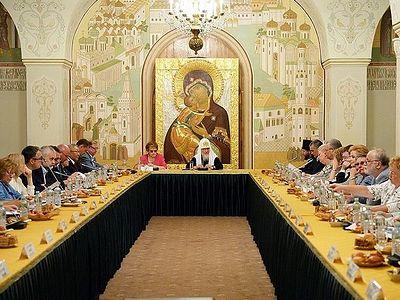 Под председательством Патриарха Кирилла состоялось первое заседание Президиума Общества русской словесности