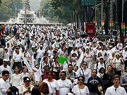 В Мехико прошел крупнейший митинг против однополых браков