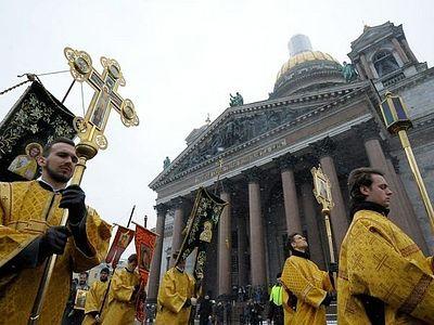Священник Александр Волков: Крестный ход вокруг Исаакия показал, что слова Патриарха о примирении услышаны