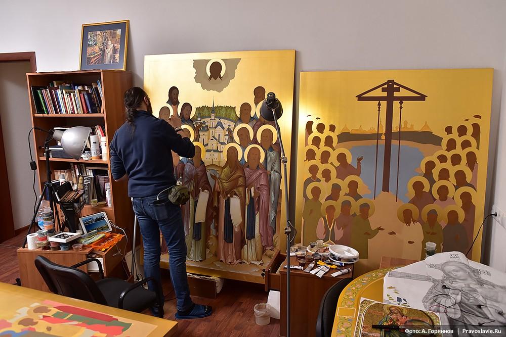 Работа над иконами преподобных Оптинских старцев и Собора соловецких святых
