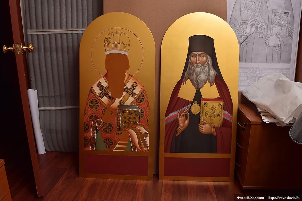Святитель Феофан Затворник, Вышенский (икона справа)