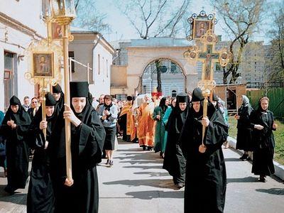 Наше служение в том, чтобы всем приходящим к святой Матроне Московской было хорошо и тепло