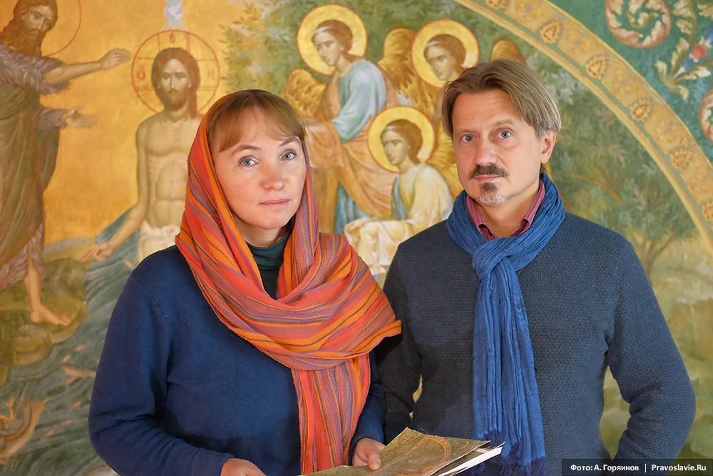Художники Дарья Шабалина и Михаил Леонтьев, возглавляющие работы по росписи собора