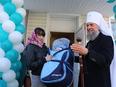 Thousands of families and children receive aid from Russian and Romanian Churches in past year