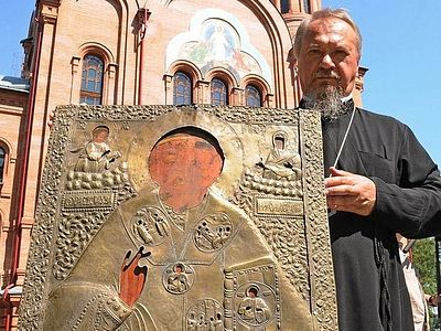 Icon missing for 100 years returns to Barabanovo church