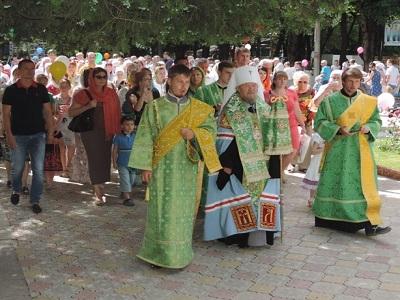 В Крыму прошел первый семейный крестный ход / Православие.Ru
