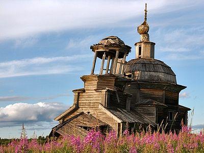 Кто и зачем восстанавливает деревянные храмы Русского Севера
