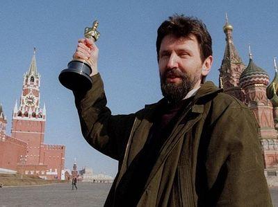 Исполнилось 60 лет известному российскому художнику-мультипликатору Александру Константиновичу Петрову