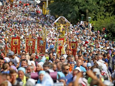 More than 20,000 process 130 miles to Pochaev Dormition Lavra