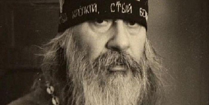 О том, как знаменитый поэт-песенник стал монахом. «По ночам в тиши я пишу стихи» / Православие.Ru