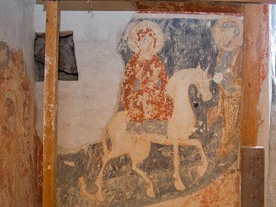 Монахинь обучили контролировать состояние фресок