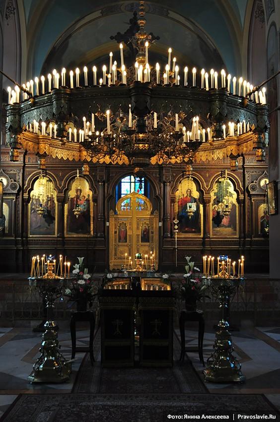 Иконостас Троицкого собора в Иерусалиме