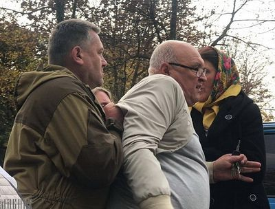 Faithful in Kolomiya, Ukraine pray outside church despite Uniate threats