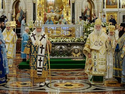Orthodox primates gather for Liturgy in Moscow on centenary of enthronement of St. Tikhon