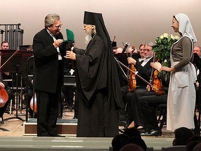 Епископ Пантелеимон вручил Владимиру Федосееву церковную награду