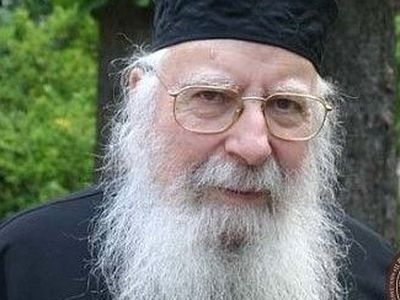 Archimandrite Placide (Deseille) of Athonite podvoriye in France reposes in the Lord