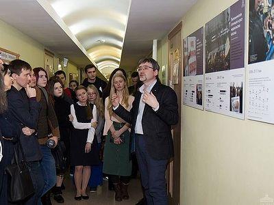 В ПСТГУ открылась выставка «30 лет изучения общественного мнения: 5 эпох в сознании россиян»