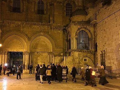 Храм Гроба Господня открылся после трех дней церковного протеста