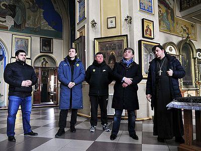 ФК «Анжи» помог семьям погибших и пострадавшим в Кизляре