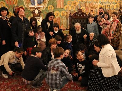 Patriarch Ilia of Georgia blesses children with Down Syndrome (+ PHOTOS)