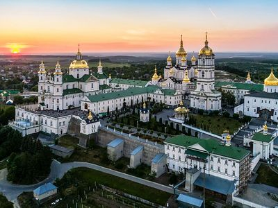 Buildings of Pochaev Lavra taken from monastery, returned to museum via abolishment of 2003 agreement