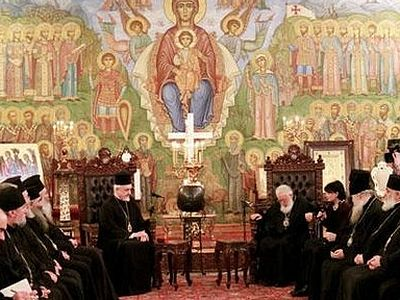 Georgian Synod won't decide on Ukraine until spring despite visit from Constantinople delegation