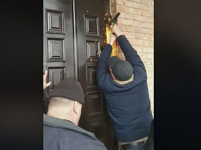 Schismatics dismantle doors to church where community voted to remain loyal to Orthodoxy (+ VIDEO)